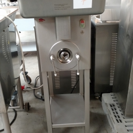 Meat mincer Mado