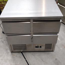 Refrigerated worktable