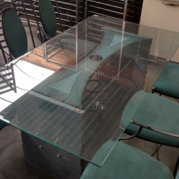 Design table with chairs