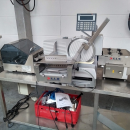 S.A.M. Meat Cutting and packaging machine