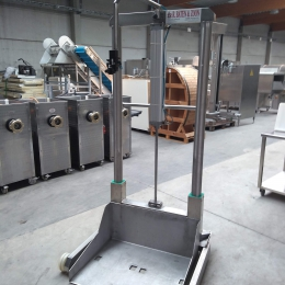 Mobile stainless steel lift