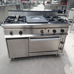 gas stove with baking tray and electric oven