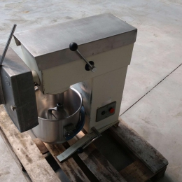 Vegtable cutter and mixer